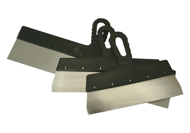 Шпатель лопатка. Ручка может быть деревянная, пластиковая или прорезиненная