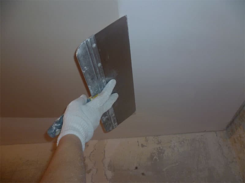 Шпаклевка потолка