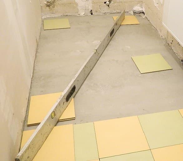 Кладка плитки на пол