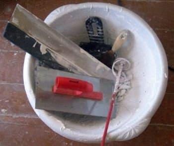 Инструмент для шпаклевки и штукатурки