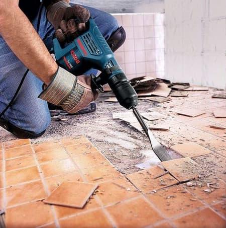Удаление плитки на полу