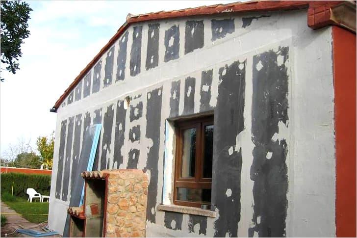 Подготовка поверхности фасада