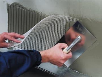 Штукатурка стен с использованием штукатурной сетки