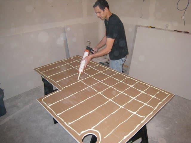 Укладка гипсокартона на потолок из деревянного каркаса