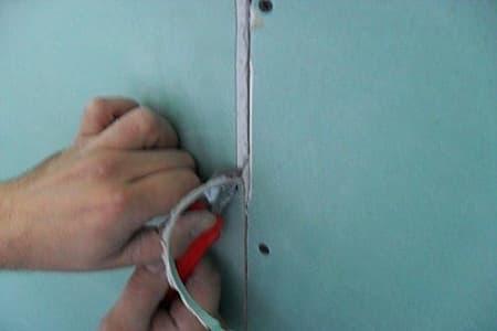 Как правильно зашпаклевать гипсокартон под покраску и обои