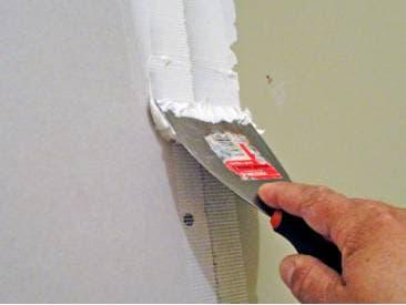 Почему промерзает стена в кирпичном доме