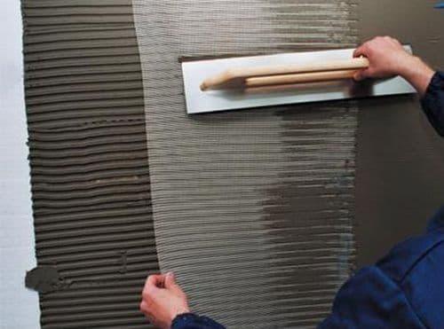 Применение сетки для штукатурки стен