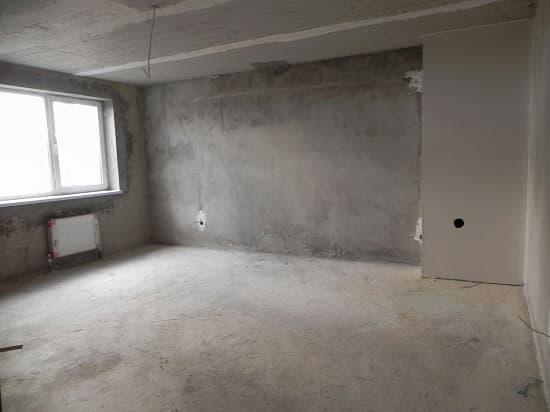 Отделка стен цементной штукатуркой